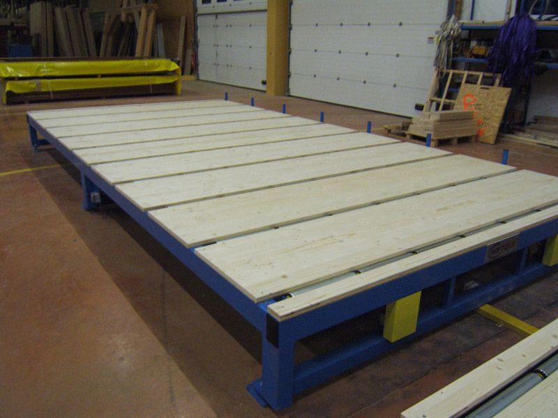 Lignes de montage pour maisons ossature bois  tables de  ~ Montage Maison Ossature Bois